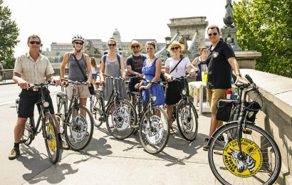 Budapest Private Bike Tour with Cafe Stop