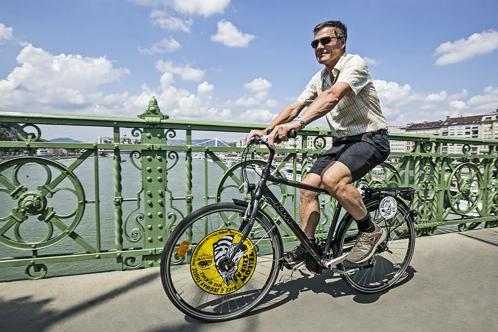 Buda and Pest,Szentendre Bike Tour,Budapest evening bike ride,Budapest Summer bike ride,Absolute Tours Budapest,bike tours Hungary,guided tours Budapest