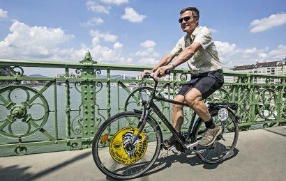 Private Danube River Views Bike Ride