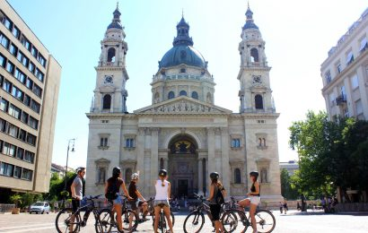 Budapest Private E-Bike Tour with Buda Castle